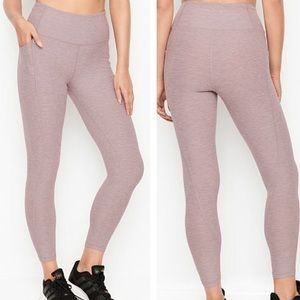 VICTORIA'S SECRET INCREDIBLE ESSENTIAL LEGGING/ M